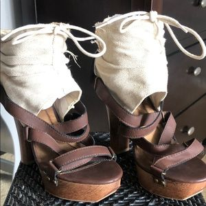919a359a5f0f Brand New brown wooded platform sandals.